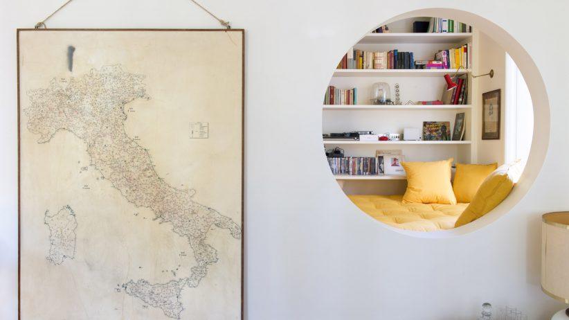 کتابخانه خانگی دنج در بازسازی آپارتمان