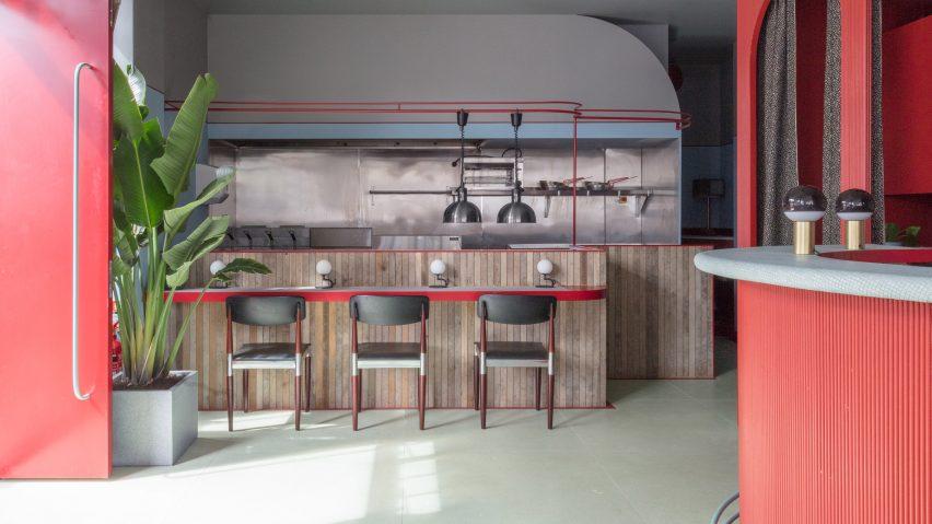 طراحی داخلی کافه رستوران پیرانا (Piraña )