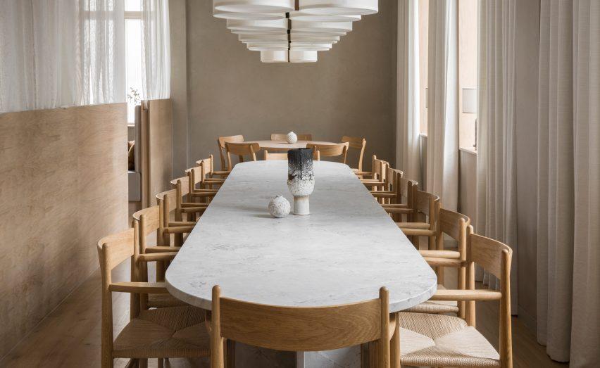 ترکیب طراحی داخلی دو سبک ژاپنی و دانمارکی در رستوران