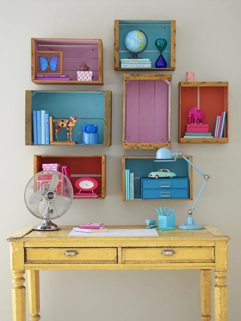 قفسه های باز و هماهنگی رنگ ها