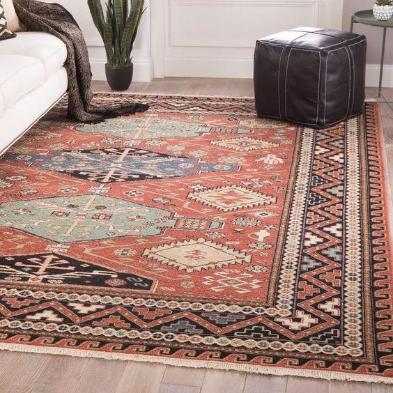 از طرح هایی با اندازه های متفاوت فرش استفاده کنید