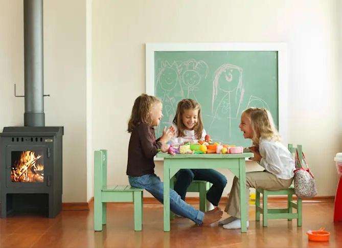 میز بازی در فضای اتاق