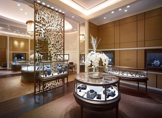 دکوراسیون داخلی طلافروشی ؛ نمایش پرزرق و برق جواهرات در فروشگاه های لوکس و شیک !