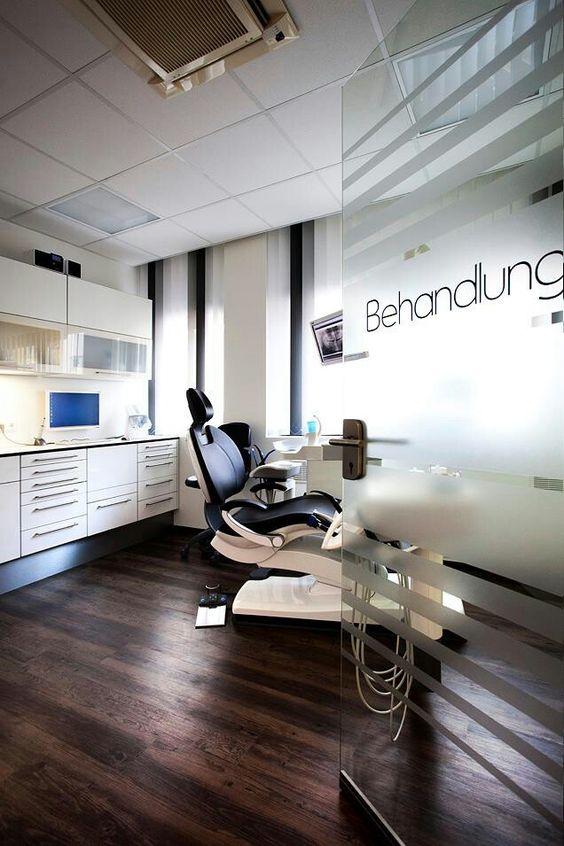 دکوراسیون اتاق معاینه دندانپزشکی