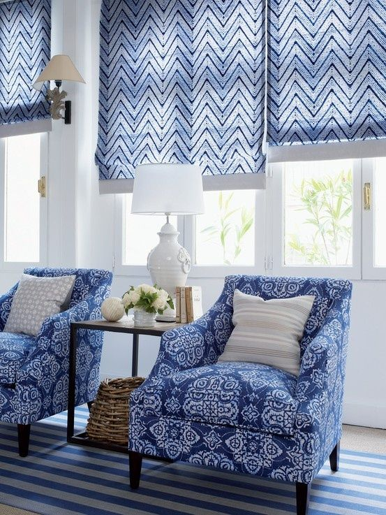 در ترکیب طرح ها و رنگ آبی، درست مانند رنگ های پاستلی، می توانید طرح های متفاوت را در کنار یکدیگر به کار ببرید