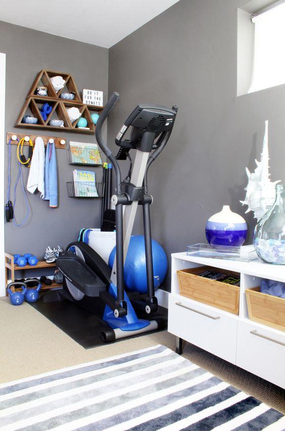 ورزش در خانه یکی از مهم ترین بخش های یک سبک زندگی سالم به شمار می رود.