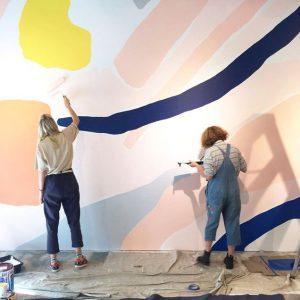 کاغذ دیواری یا رنگ ساختمانی؛ کدام یک را باید انتخاب کرد؟