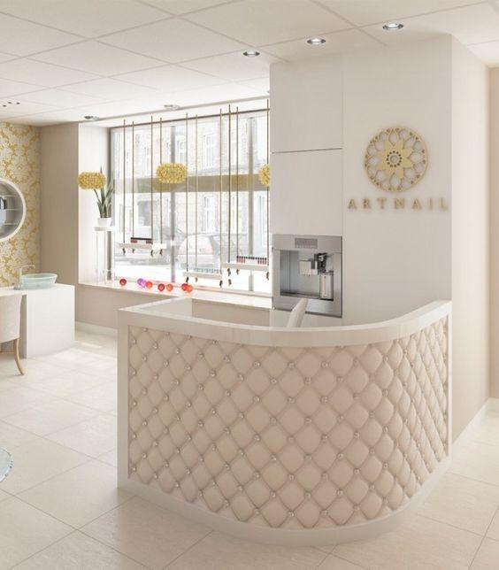 اتاق آرایش عروس و فضای شستشو و خدمات مو دارند.