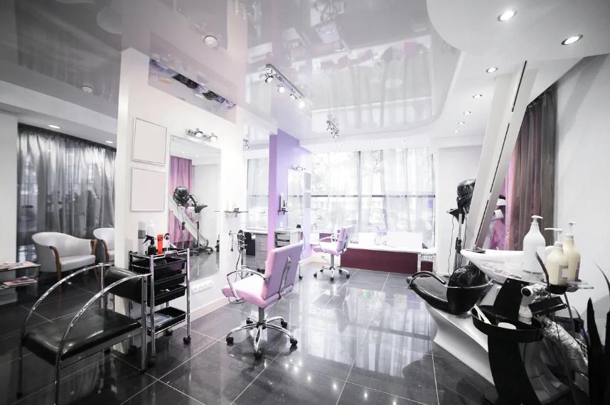 طراحی عملکردی در طراحی داخلی آرایشگاه زنانه کوچک