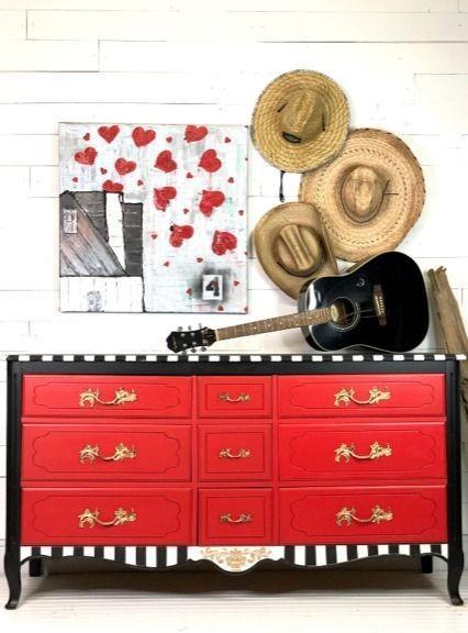 بهترین راه استفاده از مبلمان چوبی با رنگ های خاص و متفاوت است