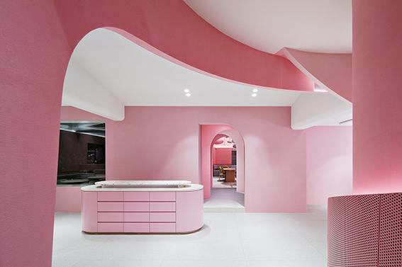آرایشگاه زنانه ویلا د موریر پرچمدار برند آرایشگاه مراقبت از پوست، مو و زیبایی موریر است