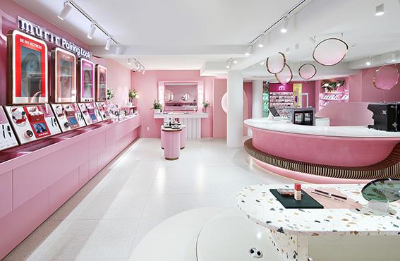 تجربه ویلا د موریر بیش از یک فروشگاه خرده فروشی لوازم آرایشی است