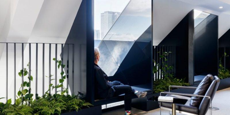 طراحی تک رنگ فضای داخلی شرکت Slack