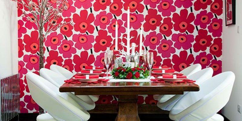 کاغذ دیواری قرمز رنگ در طراحی دکوراسیون داخلی